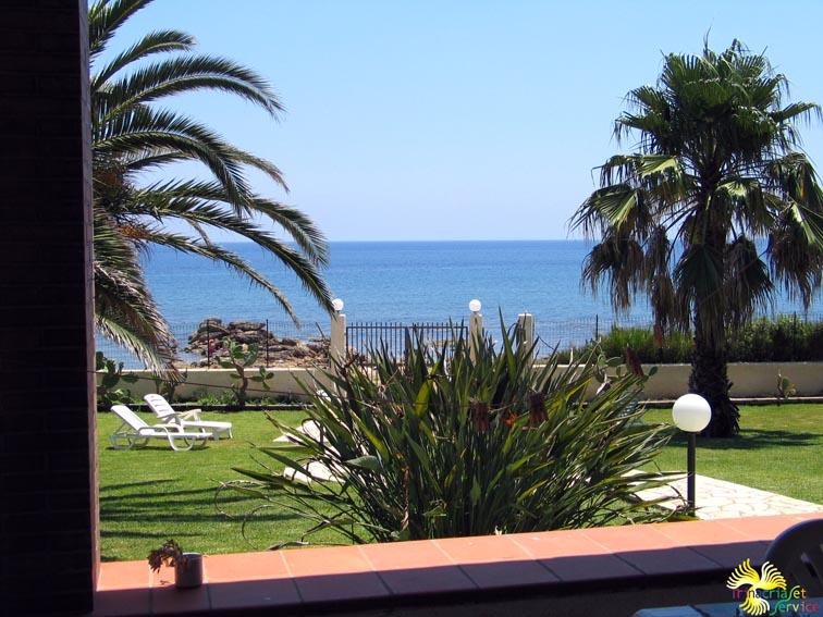 Vacanze in sicilia villa gigi siracusa sul mare for Siracusa vacanze mare