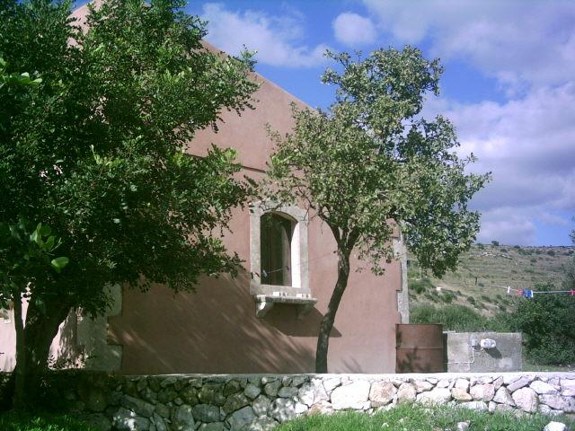 Vacanze in sicilia vacanza noto casa del timo noto casa for Casa vivente del sud progetta la casa colonica
