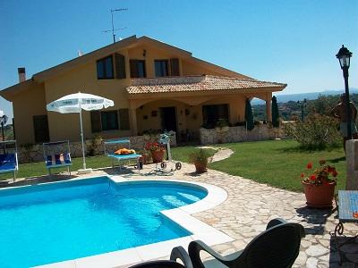 Vacanze in sardegna villa con piscina per fantastiche vacanze sassari villa - Villa con piscina sardegna ...