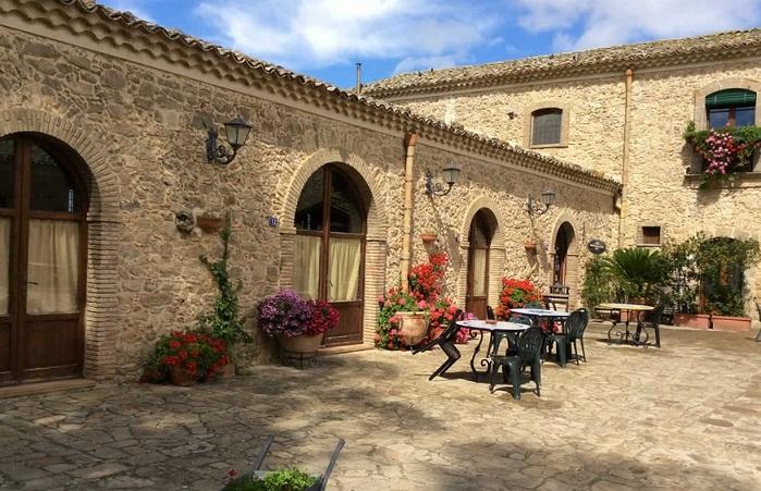 Vacances in sicile agriturismo gigliotto last minute piazza armerina vacances a la ferme - Agriturismo in sicilia con piscina ...